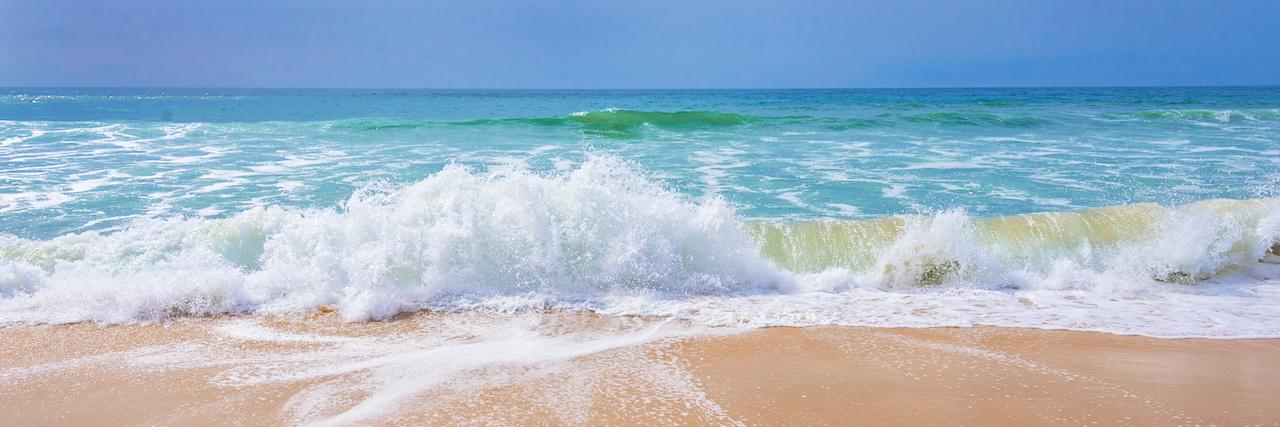Am Meer eine Auszeit genießen- Die Welle und das Wasser beruhigen